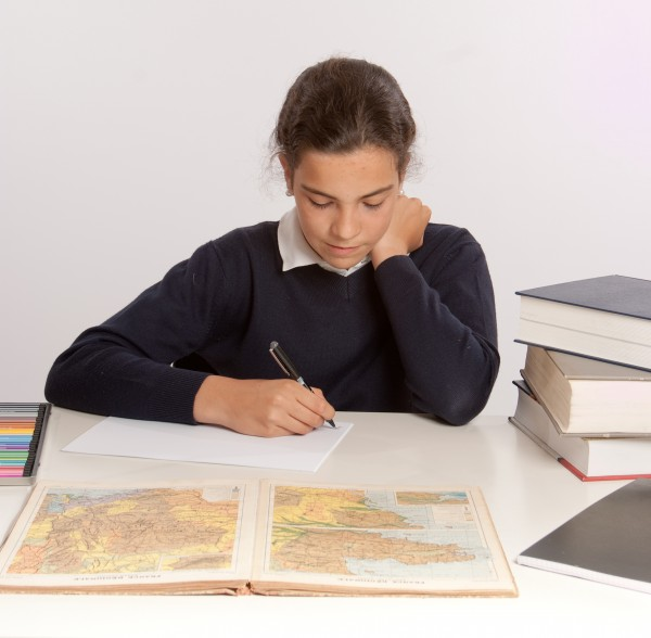 studiare studio scrivere educazione marrone caucasico