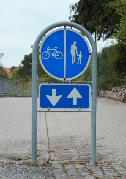 segnale blu andare rilasciato traffico estate