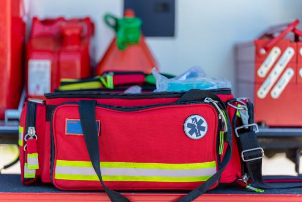 kit di pronto soccorso una borsa