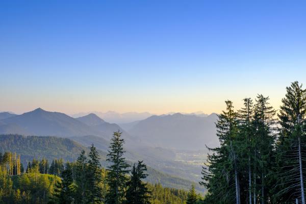 vista panoramica delle montagne contro il