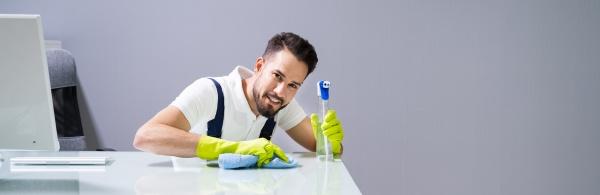 ufficio pulizie lavoratori maschi