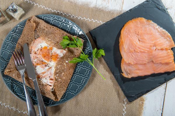 crepe, bretone, con, filetti, di, salmone - 28257531