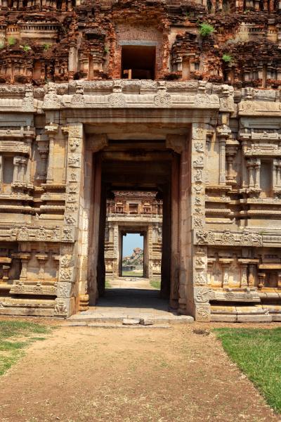cancello in gopuram rovine a hampi