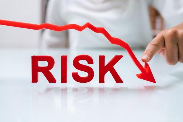 investire in finanza con meno rischi