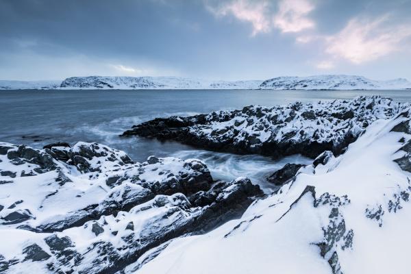 paesaggio costiero in inverno berlevag norvegia