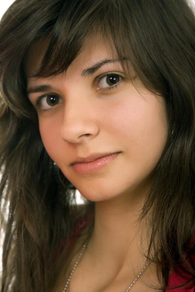 giovane bella donna ritratto isolato