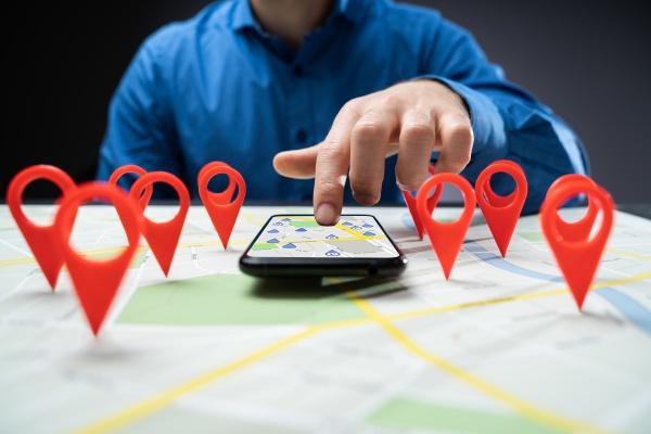 ricerca marcatori pin localizzatore mappa citta