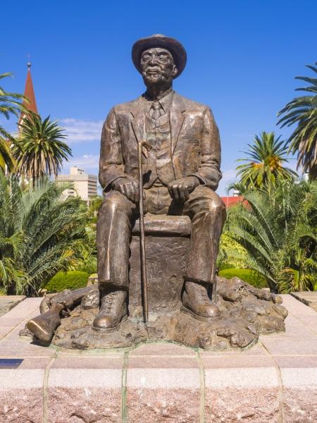 namibia windhoek statua di hosea kutako