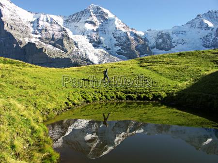 escursione gita svizzera riflesso ghiacciaio monaco