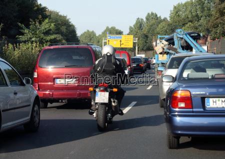 pista motociclista superare accumulazione spartitraffico utenti