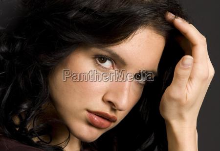 donna bocca ritratto occhi capelli guardare