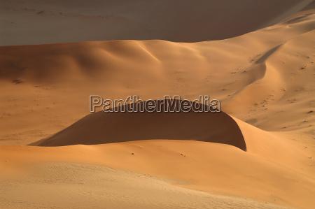 deserto africa namibia onde luna controluce