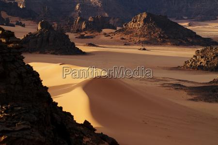 luce montagne marrone africa nero libia