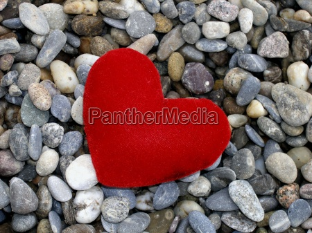 cuore su pietra