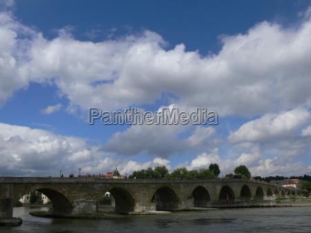 ponte baviera danubio ratisbona cielo firmamento