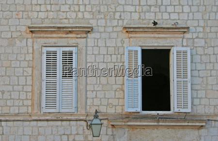 casa costruzione finestra facciata stile di
