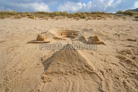 tempio riva del mare spiaggia piramide
