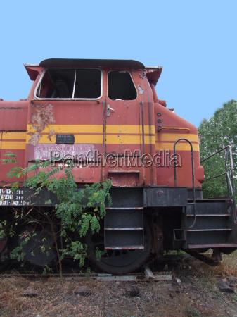 treno veicolo mezzo di trasporto rotaie