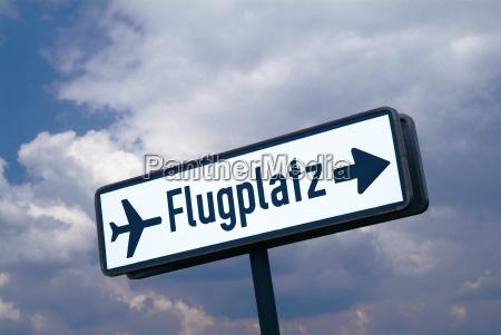 schild flugplatz