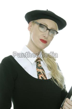donna mano educazione moda alla moda