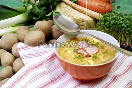 zuppa ciotola di minestra di patate