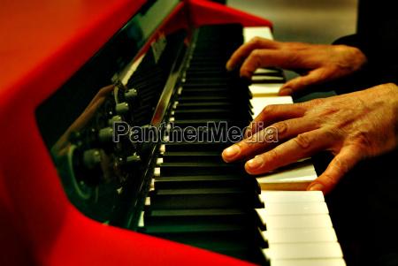 mano mani musica radio jazz tremolo