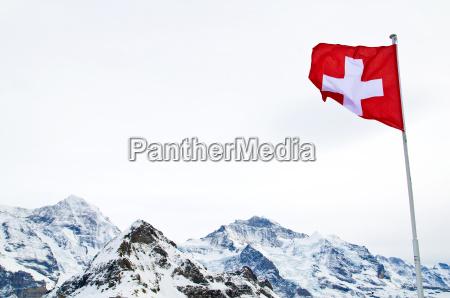 montagne alpi vertice svizzera bandiera picco