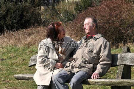 coppia in panchina