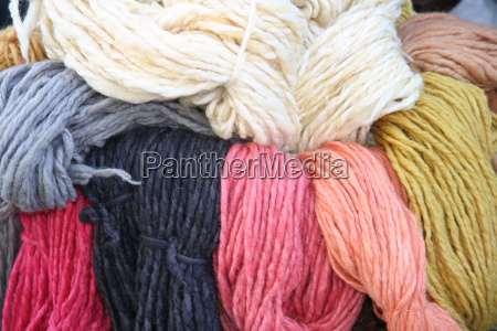 lana di pecora colorata