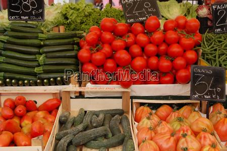 cetriolo verdura cetriolini meloni mercato mercatino