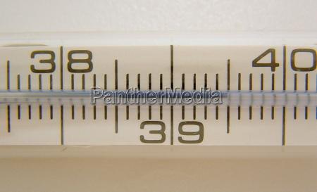 misuratore di febbre in dettaglio