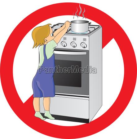 bambino in pericolo in cucina