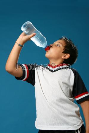 bambino, assetato, che, beve, acqua - 1556103