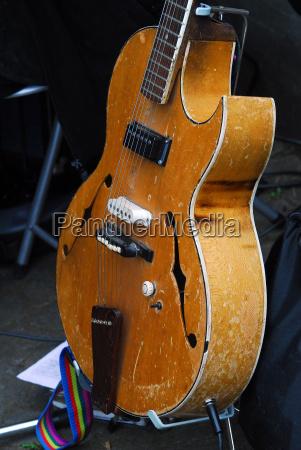 musica suonare uno strumento marrone chitarra