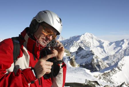 telefono cellulare gestire inquieto montagna trattativa