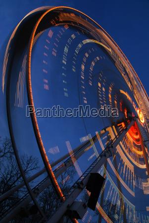 movimento in movimento spettacolo ruota notte