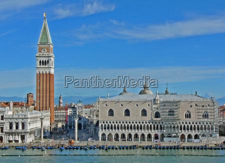 venezia san marco con palazzo