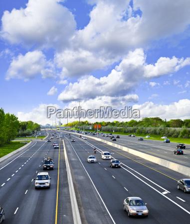 autostrada trafficata