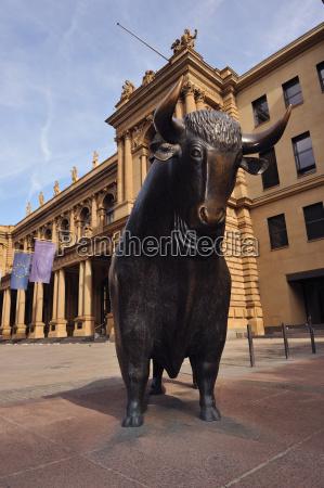 bull prima della borsa di francoforte