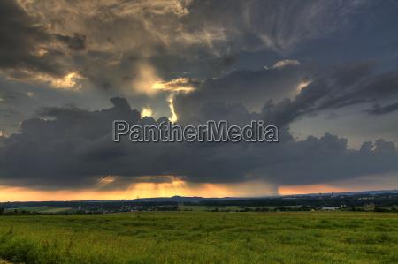 tempesta temporale fulmine lampi cielo firmamento