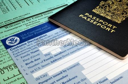 forme di passaporto e usa dogana