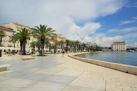 casa costruzione citta silhouette adriatico croazia