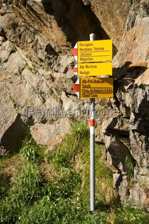 signpost escursionistica sentiero svizzera