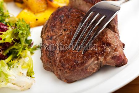 close up di una forchetta su