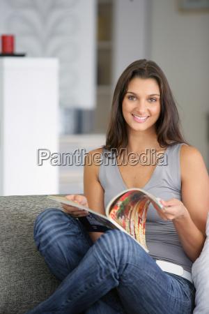 risata sorrisi bello bella interno relax