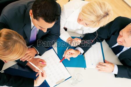 lavoro di squadra contratti e