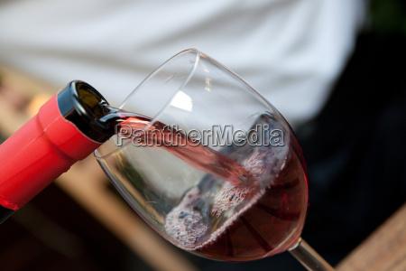 bottiglia di vino con vetro