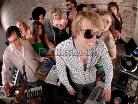 discoteca persone popolare uomo umano casa