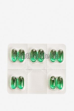 pacchetto di pillole capsule isolato