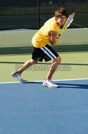 giocatore di tennis da solo su